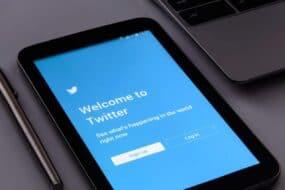 Πως να κάνεις unfollow όλους τους Twitter followers σου με ένα κλικ