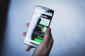 Πως να βάλεις μια λίστα στο Spotify ως ξυπνητήρι στο Android