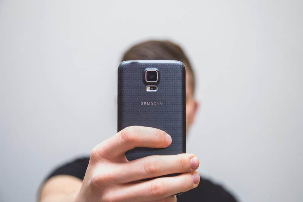 Πίσω κάμερα κινητού τέλεια φωτογραφία με κινητό smartphone