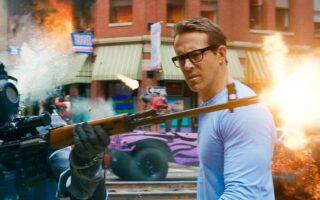 """""""Free Guy"""": Η νέα ταινία με τον Ryan Reynolds τα σπάει"""