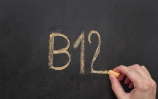Βιταμίνη Β12: Ποιες τροφές μας την προσφέρουν και που ωφελεί